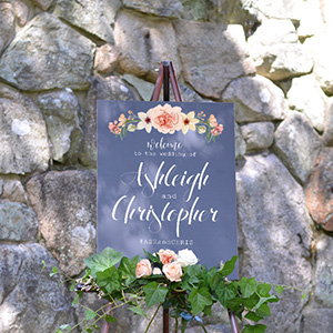 Cards And Pockets Flower Bouquet Wedding Welcome Sign